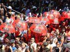 Evangélicos tentam pregar a palavra no Cordão do Bola Preta, no Rio