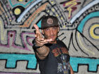'Feira Colaborativa Mandrake' promove edição de Natal com tributo ao Guns N' Roses