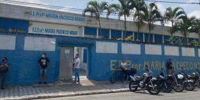 2º turno: Votação tranquila na EE Profª Maria Pacheco Nobre, em Praia Grande