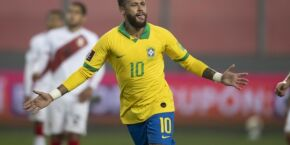 Neymar celebra aniversário de 109 anos do Santos