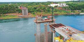 Obras da Ponte da Integração Brasil-Paraguai, no Rio Paraná: veja fotos