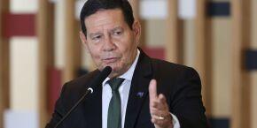 Mourão nega impeachment, mas defende 'freios' se presidente arriscar o país