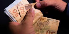 Projeto de lei pode garantir 14º salário para aposentados e pensionistas em dezembro