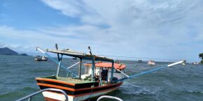 Policiamento Ambiental Marítimo flagra pesca irregular de camarão na Região