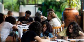 Ismart abre 1.200 vagas para bolsas de estudo e desenvolvimento pessoal para jovens