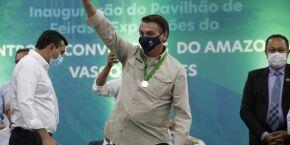 Bolsonaro ameaça colocar exército na rua para acabar com lockdown e isolamento social