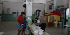Guarujá registra mais de 702 mil refeições fornecidas aos alunos durante a pandemia