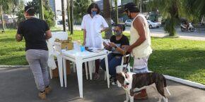 Em dois dias, 200 cães e gatos são vacinados em Santos