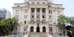 Projeto propõe readequação das regras de aposentadoria dos servidores de Santos