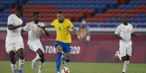 Brasil tem expulsão no início e só empata sem gols com a Costa do Marfim