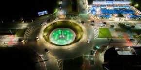 Bertioga: Praça dos Emancipadores recebe iluminação especial