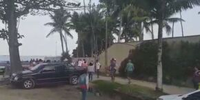 Cozinheira faz denúncia após ser chamada de 'macaca e pobre' em praia de Guarujá