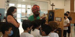 Exposição 'Enciclopédia Negra' percorre escolas públicas de Santos