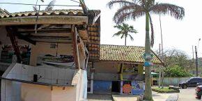 Pescadores reivindicam melhorias nos boxes da praia dos Pescadores, em Itanhaém