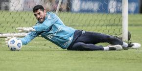 João Paulo pode renovar com o Santos para afastar assédio de clubes