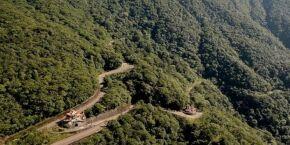 Reportagem mostra a Estrada Caminho do Mar, que foi reaberta por Cubatão