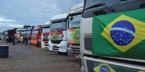 Caminhoneiros dão ultimato em Bolsonaro e ameaçam greve nacional para o dia 1º