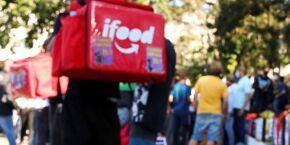 iFood oferecerá 'auxílio' combustível a entregadores até o final do ano