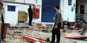Bandidos estouram dois caixas eletrônicos  em São Vicente veja fotos