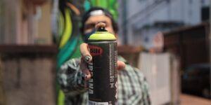 Rua Gastronômica: arte nas faixas de travessia e nos postes de iluminação