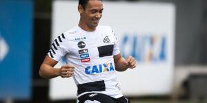 Ricardo Oliveira brilha em treino e pode voltar contra o Flamengo