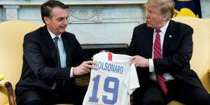 Democratas citam relação de Bolsonaro com milícia e condenam visita aos EUA