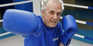 Evento celebra os 83 anos do pugilista Éder Jofre em Santos