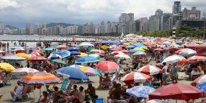 Feriado movimenta rede hoteleira e equipamentos de turismo em Santos