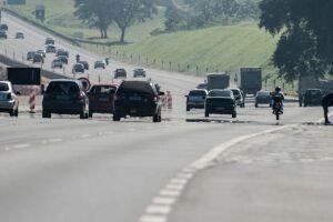 602.809 veículos passaram pelas rodovias que dão acesso às cidades localizadas no litoral do Estado entre os dias 26 e 28