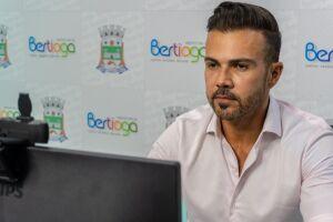 Prefeito de Bertioga, Caio Matheus, foi eleito por unanimidade