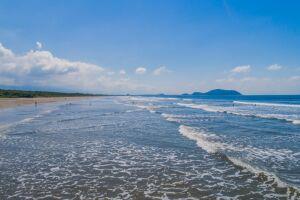 Bertioga possui mais de 30 km de praias