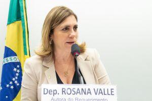 Deputada também cobrou do ministro da Economia, Paulo Guedes, informações se este corte vai afetar obras de moradias populares no Litoral de São Paulo