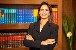 Sabrina Sayeg, Advogada Especializada em Direito Imobiliário e Questões Condominiais