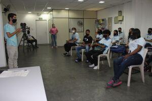 A Associação de Desenvolvimento Econômico e Social às Famílias (Adesaf), por meio do Cia Jovem, Centro de Formação de Aprendizes da instituição, abre inscrições gratuitas para o INICIA