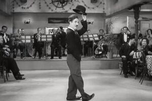 Canção 'Smile', composta por Charlie Chaplin, será interpretada nas vozes de Paula Batalha e Ricardo Abreu, com participações de Ilana Morena (violino) e Luiz Mateus (violão)