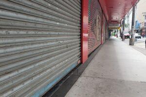 Portas do comércio devem permanecer fechadas por mais tempo do que se imaginava originalmente
