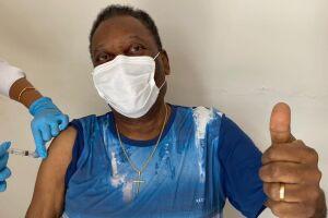 Pelé lembrou que embora a vacinação tenha começado, a pandemia não terminou