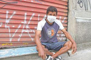 Otaviano Lopes dos Santos teve sua carroça apreendida pela Prefeitura de Santos