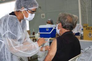 Quem tem 70 anos ou mais já pode tomar a 3ª dose da vacina em Peruíbe