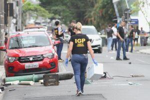 Policiais da Delegacia Sede de Peruíbe localizaram, na madrugada de hoje (23), um dos integrantes da organização criminosa que realizou em dezembro de 2020 dois roubos a agências bancárias em Criciúma, Santa Catarina