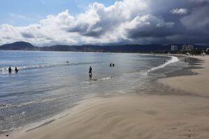 O decreto permite atividades físicas individuais em logradouros públicos e nas praias, das 5 horas às 10 horas e das 16 horas às 20 horas