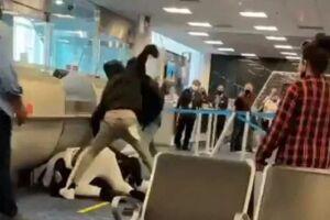 Uma pessoa foi detida após briga generalizada no Aeroporto Internacional de Miami