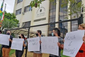 Manifestantes disseram que deverão levar a situação à Justiça