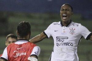 Em seu primeiro jogo como titular, Cauê marcou o gol da vitória corintiana em Campinas