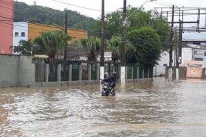 Chuvas trazem transtornos à Região.