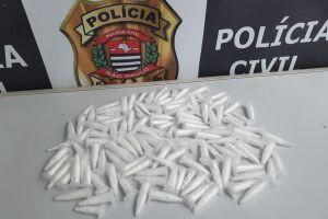 Pinos contendo cocaína estavam em raízes de árvore