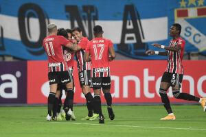 Luan, Martín Benítez e Éder marcaram os gols tricolores em Lima