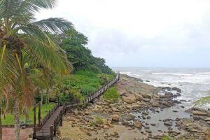Um dos pontos turísticos mais conhecidos na Cidade é a Passarela de Anchieta, localizada entre a Praia do Sonho e a do Cibratel