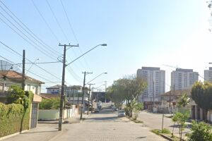A rota alternativa para veículos é a Rua Domingos José Martins