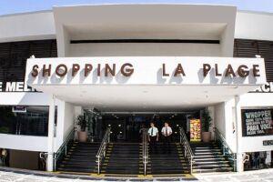 Shopping La Plage, no centro de Guarujá